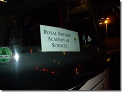 האוטובוס שהסיע אותנו לקבלת הפנים באקדמיה למדעים